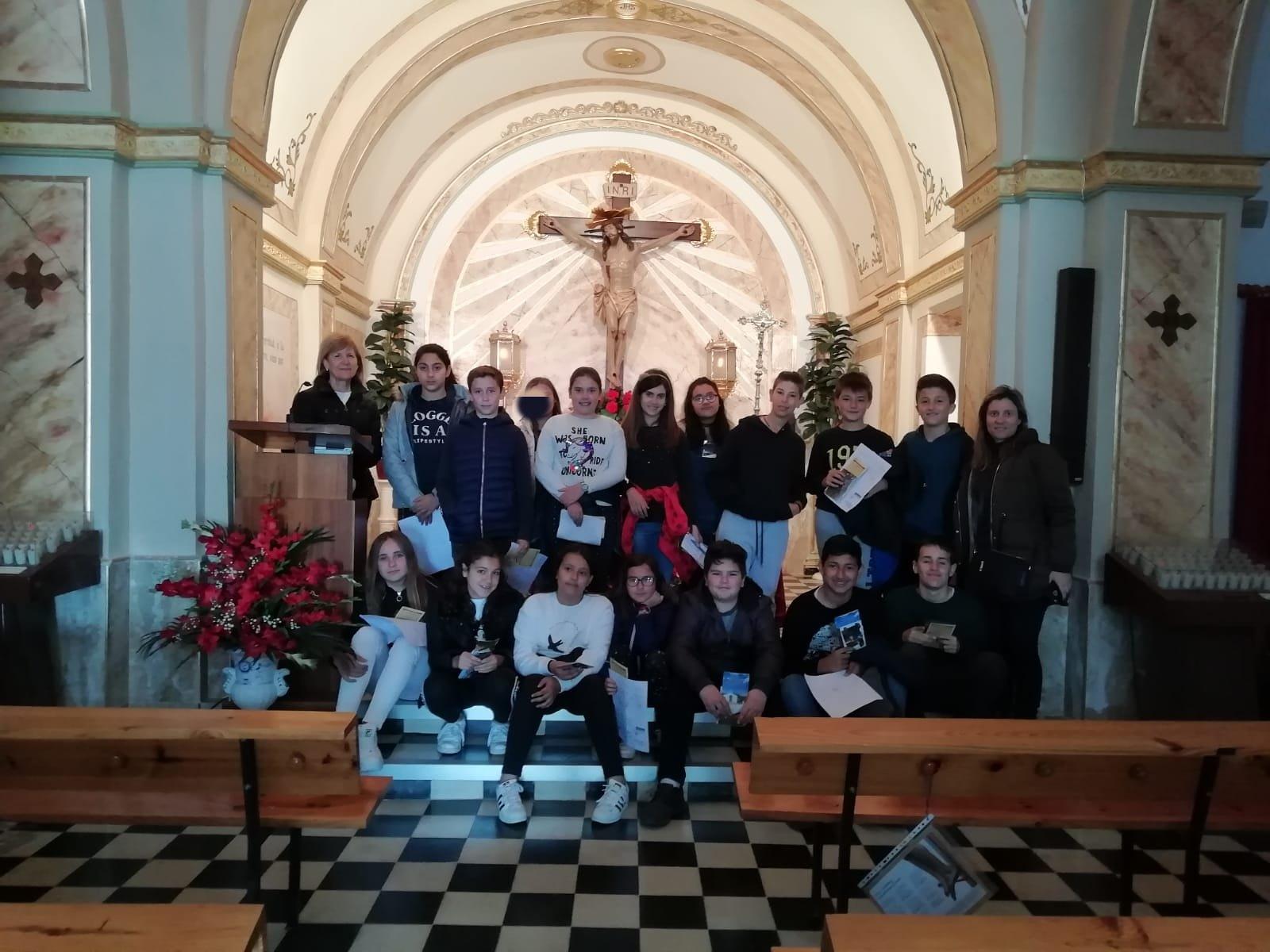 (2019-04-08) Visita ermita alumnos Yolada - 6 - Virrey Poveda - María Isabel Berenguer (01)