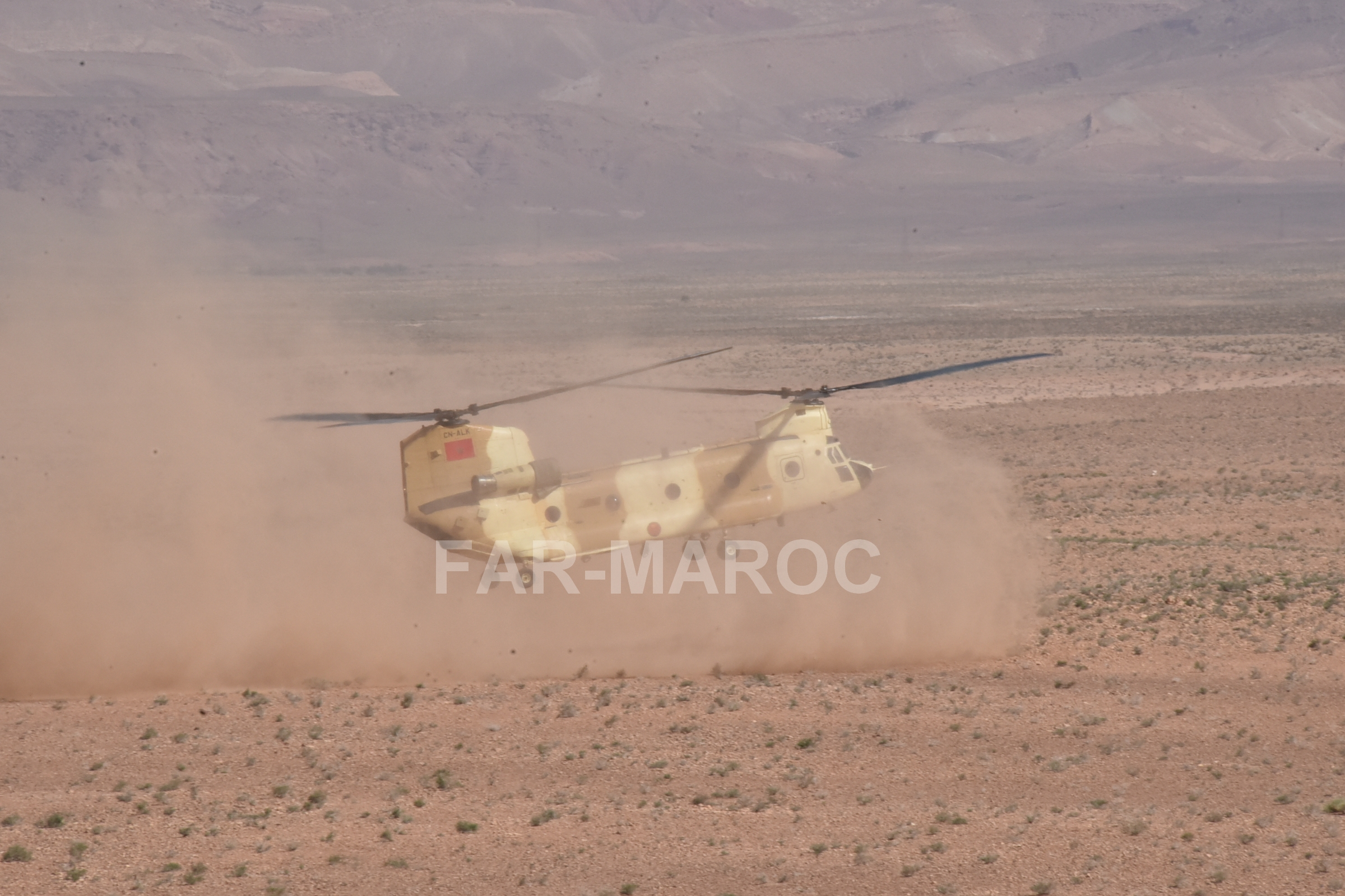 CH-47D CHINOOK des Forces Royales Air  - Page 3 40831636493_f10f9432b1_o