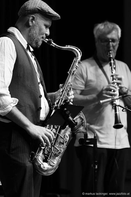 Mathi Kainz: sax, guitar / Kurt Edlmair: clarinet, percussion