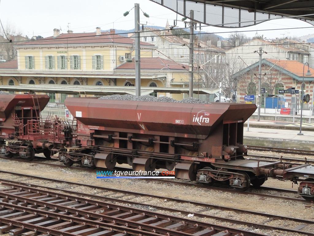 Une ballastière SNCF Réseau