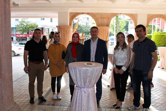 Sakine Nesibe Zamanoğlu'ndan hem gösteri hem ödül töreni