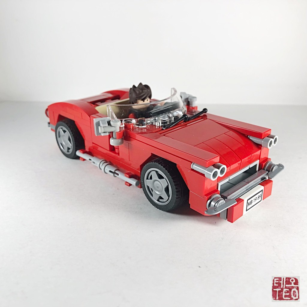 "1960 Chevrolet Corvette - ""Lola"" Just trying my hand in making ""Lola."" Not my first moc for 2019, just the first one I photographed. #teamtopak"