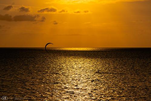 ilce7m3 wind kitesurfing sunrise sonyalpha water longbay orange sonya7 sonya7iii kiteboard providenciales yellow kiteboarding horizon clouds ilce7m3k turksandcaicos ocean kitesurf sony sonya7m3
