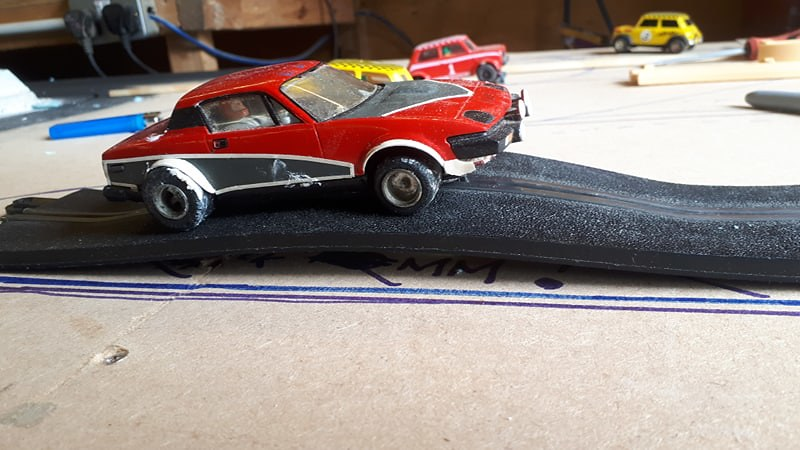 Slot car racing 40845571383_fc8b410d1e_c