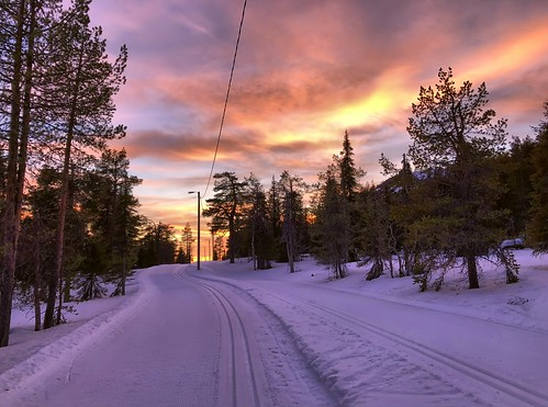 ruka kuusamo lapland finland winter snow sunset skiing crosscountryskiing xcski skitrack