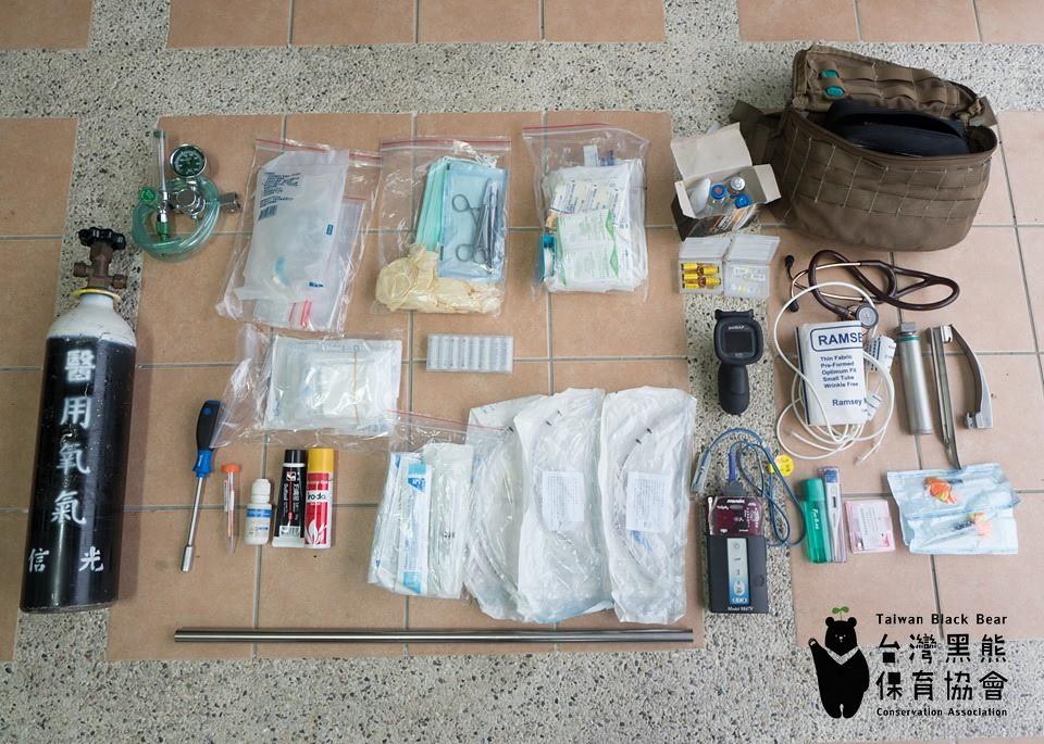登機緊急麻醉與急救器材