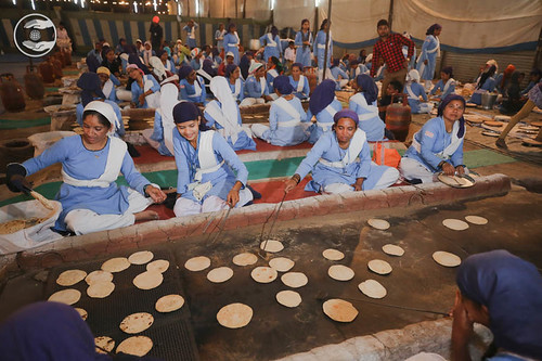 Preparation of langar in day-night