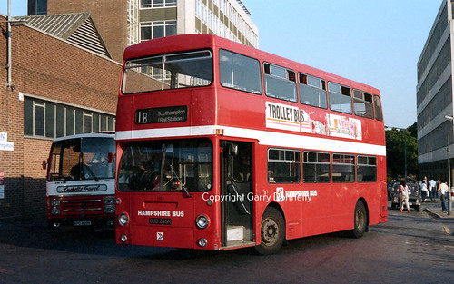 Hampshire Bus 1926 (Ex London Transport) OJD 245R