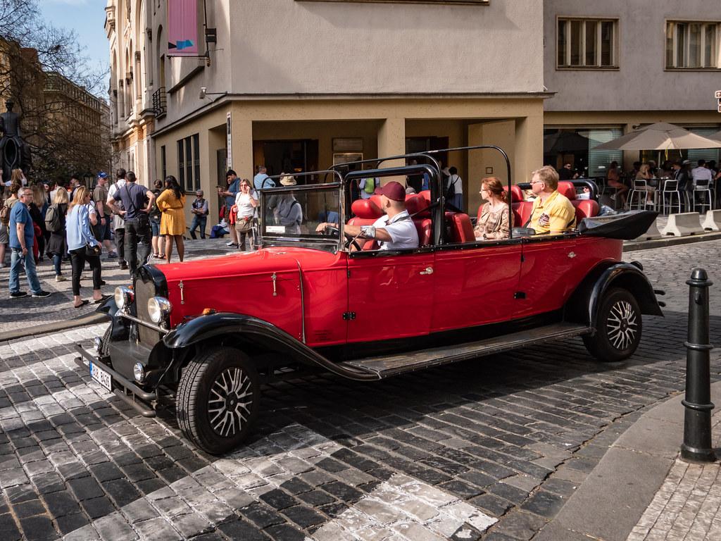 Transport de touristes à la mode praguoise... 40858820923_76c341eedd_b