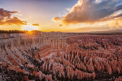 brycecanyonnationalpark sunset clouds sunstar hoodoos geology
