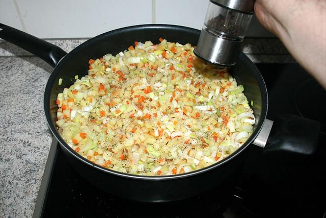 28 - Mit Salz & Pfeffer abschmecken / Taste with salt & pepper
