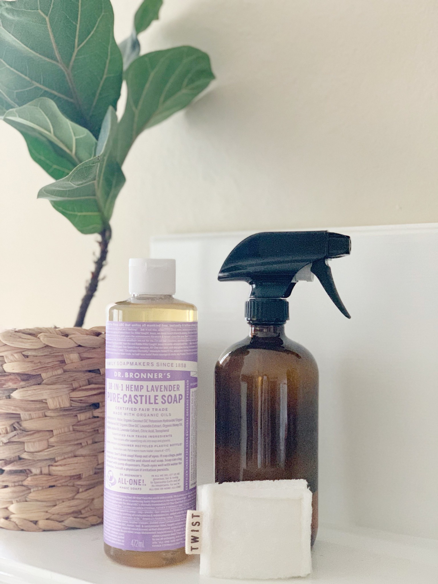 My favorite natural cleaner {DIY} on Work it Mommy blog