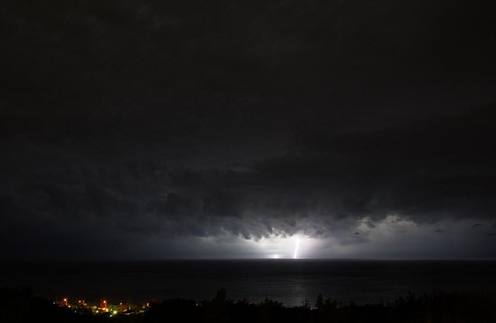 lightning over Onna-Son