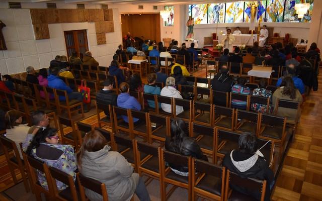 2° medios celebran en la Santa Misa al BUEN PASTOR