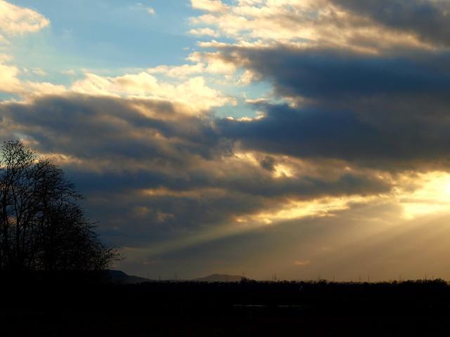 Strahlend durch die Wolken