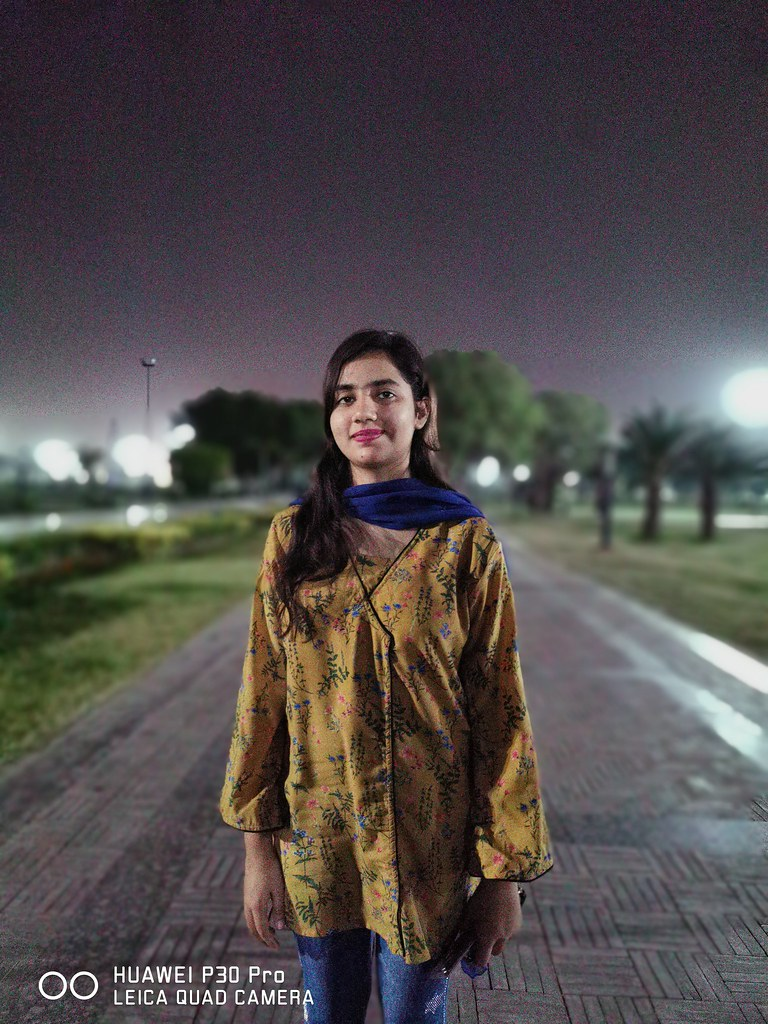 Portrait Shot at night with Huawei P30 Pro