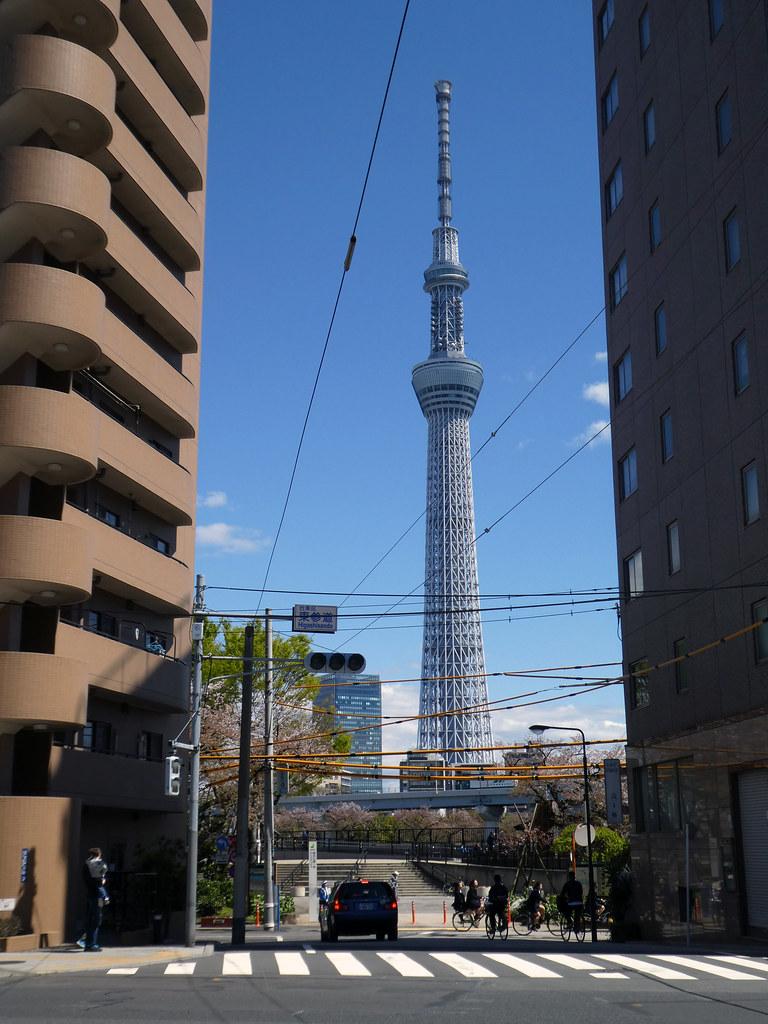 Higashisando Nitenmon Street