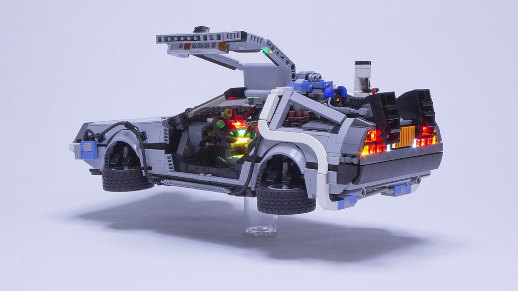 BTTF2 DeLorean - Climb in