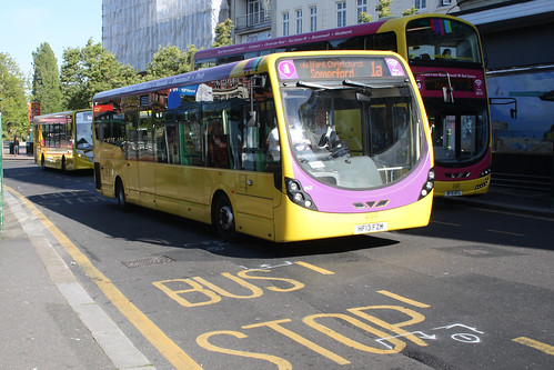 Yellow Buses 852 HF13FZM
