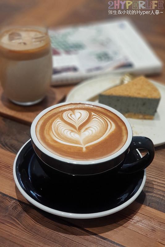 40887195393 9a9cb92dee c - J.W.xMr.Pica│近期人氣超高的質感咖啡店,同時有好喝咖啡和生活選物!近審計新村呦~