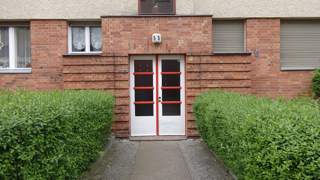 1927/29 Berlin Haustür Dusekestraße 5 von Alfred Wiener/Hans Jaretzky in 13187 Pankow