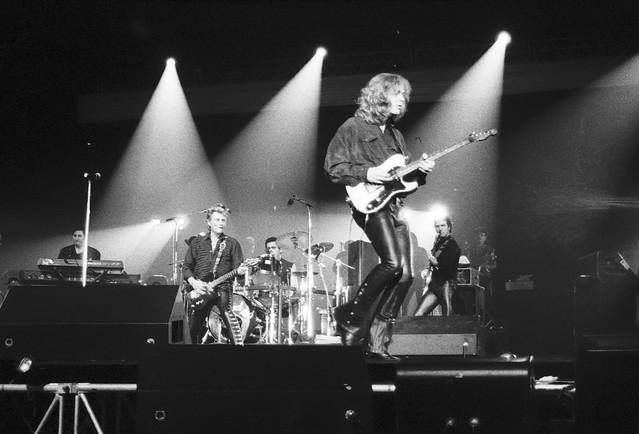 Johnny Hallyday au Palais des Sports de Paris en 1994.