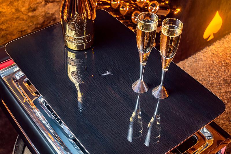 c1e24b70-rolls-royce-champagne-chest-7