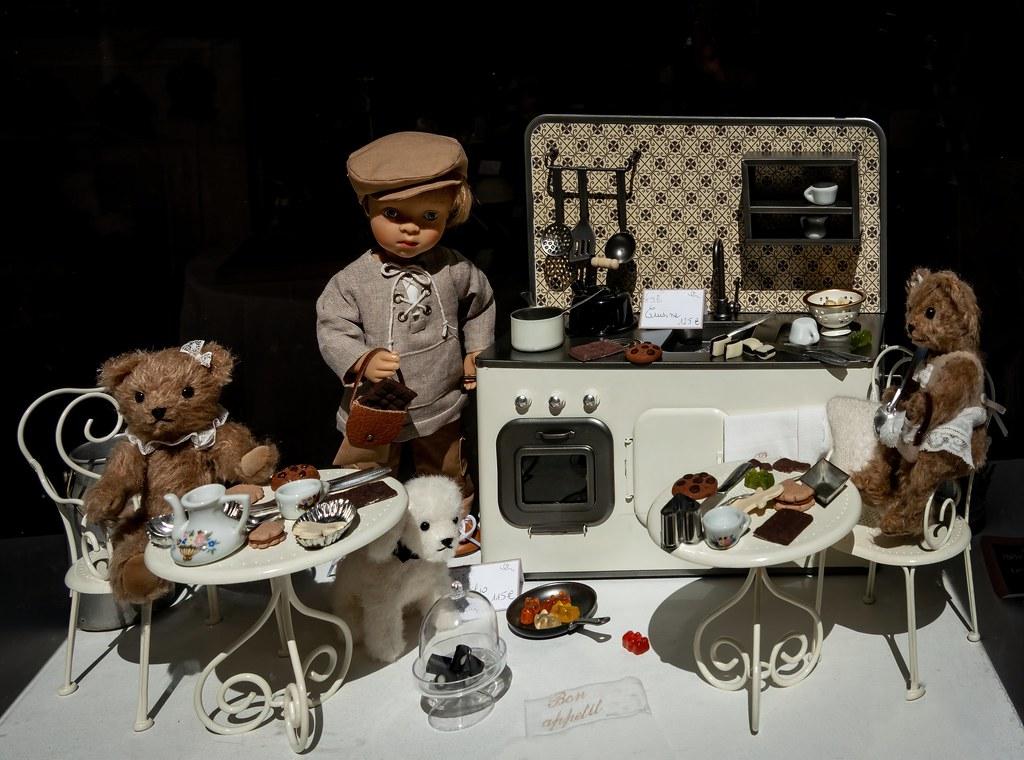 La cuisine des ours. 40903159143_e9965b7223_b