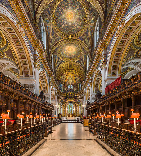 817px-St_Paul's_Cathedral_Choir_looking_east,_London,_UK_-_Diliff