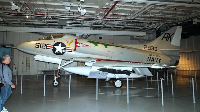 Douglas A4D-2 / A-4B Skyhawk 142833 in New York