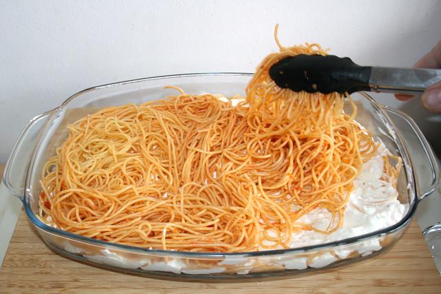 52 - Restliche Spaghetti einlegen / Add remaining spaghetti