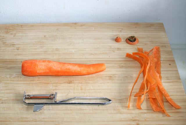 01 - Möhre schälen / Peel carrot