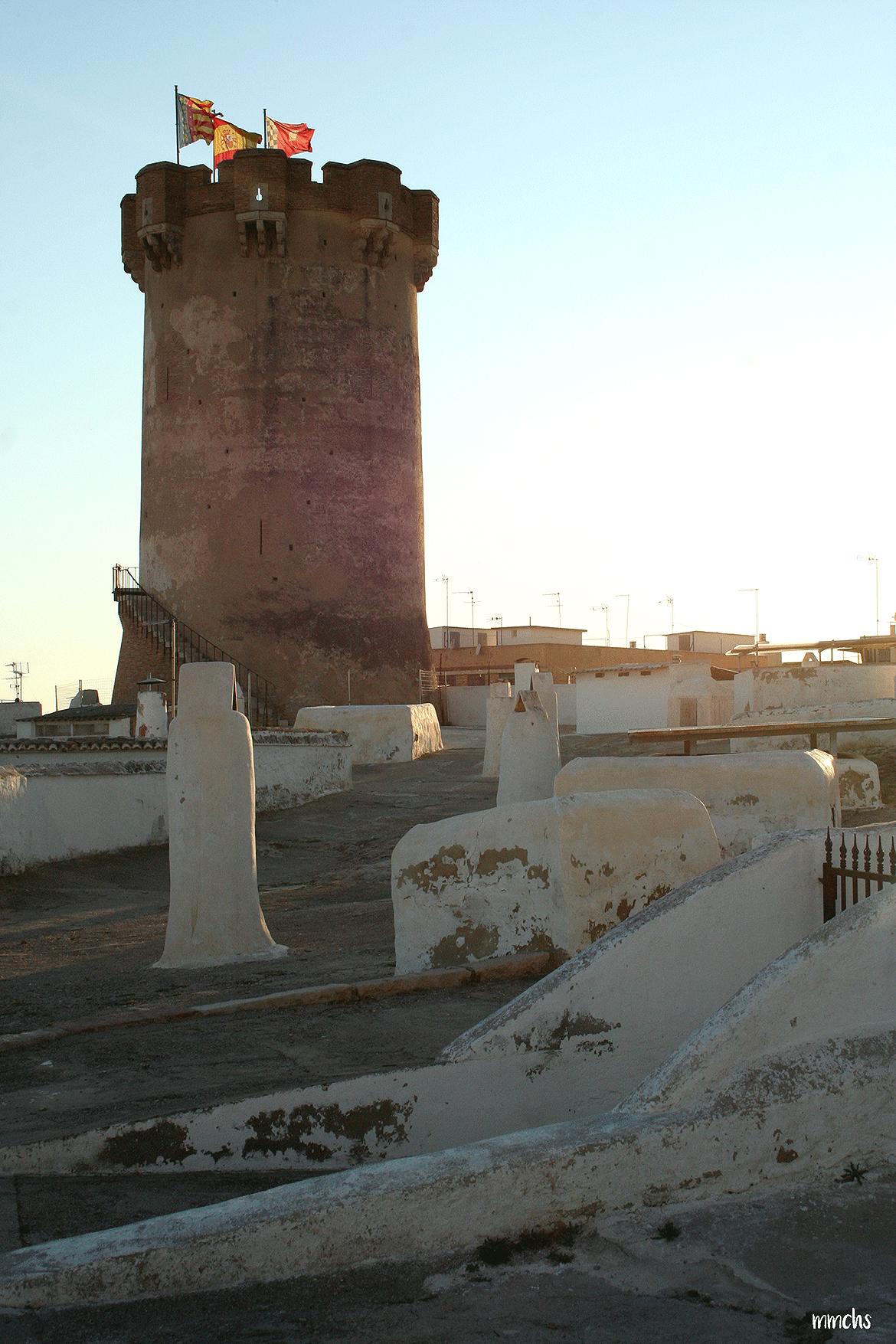 las cuevas y la torre de Paterna