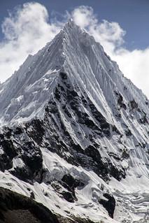 Nevado Pirámide de Garcilazo_Laguna Parón_Perú