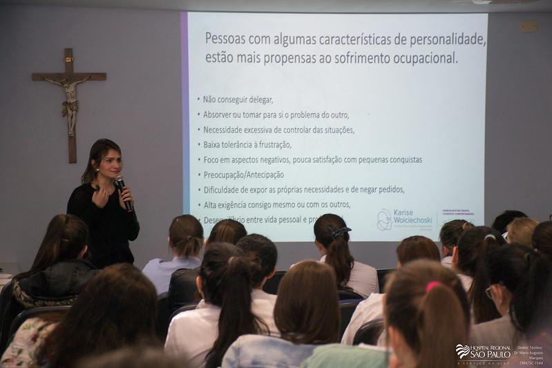 Palestra psicóloga Karise -44ª Semana da Enfermagem