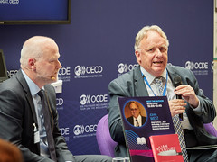 2019 OECD Forum:Asian Century … on a Knife-Edge. A 360 Degree Analysis of Asia's Recent Economic Development