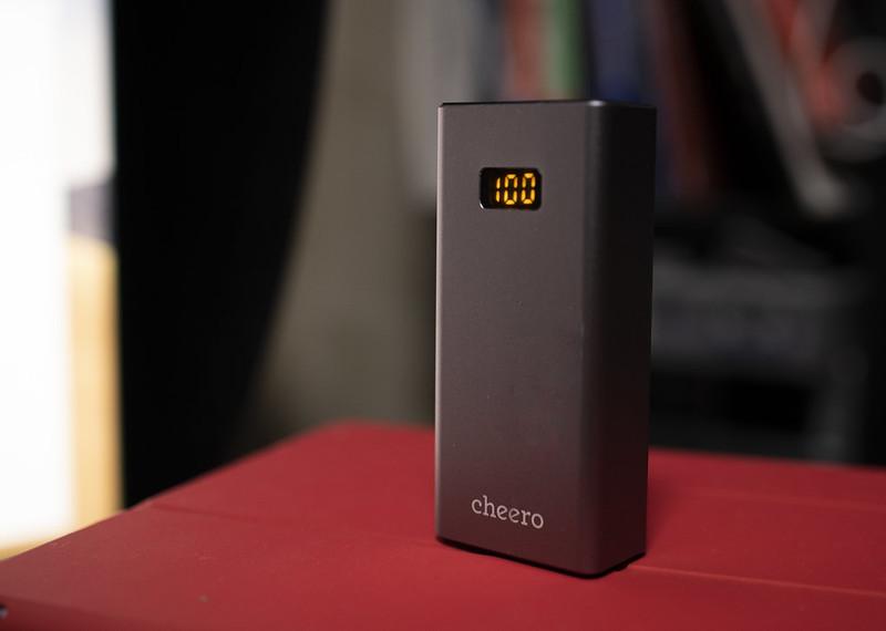 小型大容量でカメラ充電可能なモバイルバッテリー cheero Power Plus 5