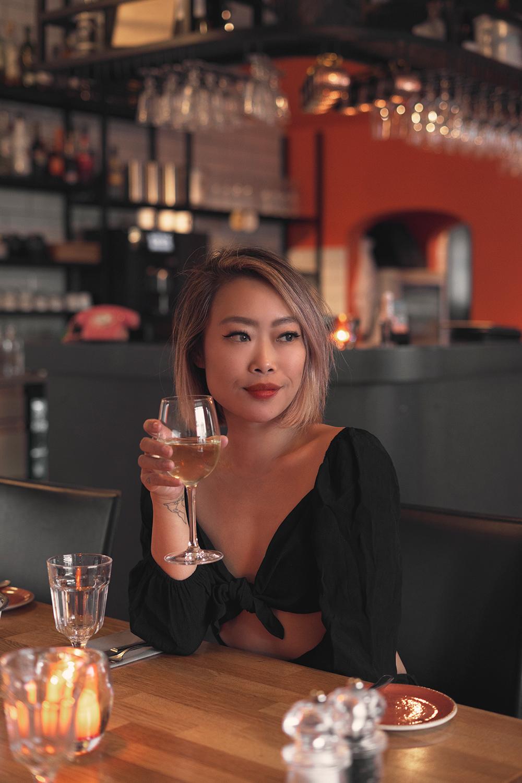 02iceland-hofn-humarhofnin-restaurant-food-wine-travel