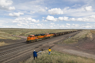 2019-05-10 1654 BNSF 9061 on Hopper Train, East Walker, WY