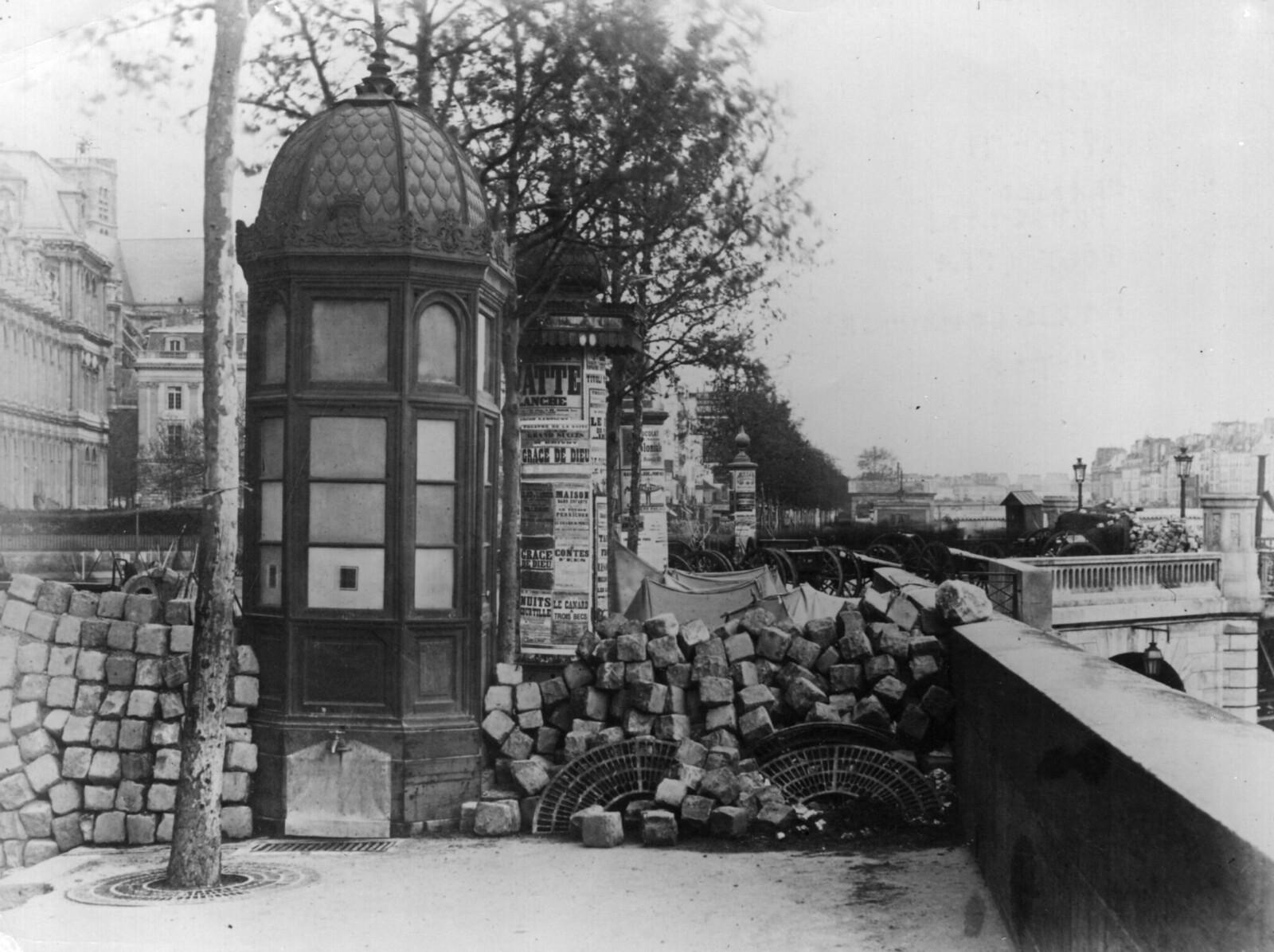1871. Баррикады на набережной Пеллетье и Мосту Искусств