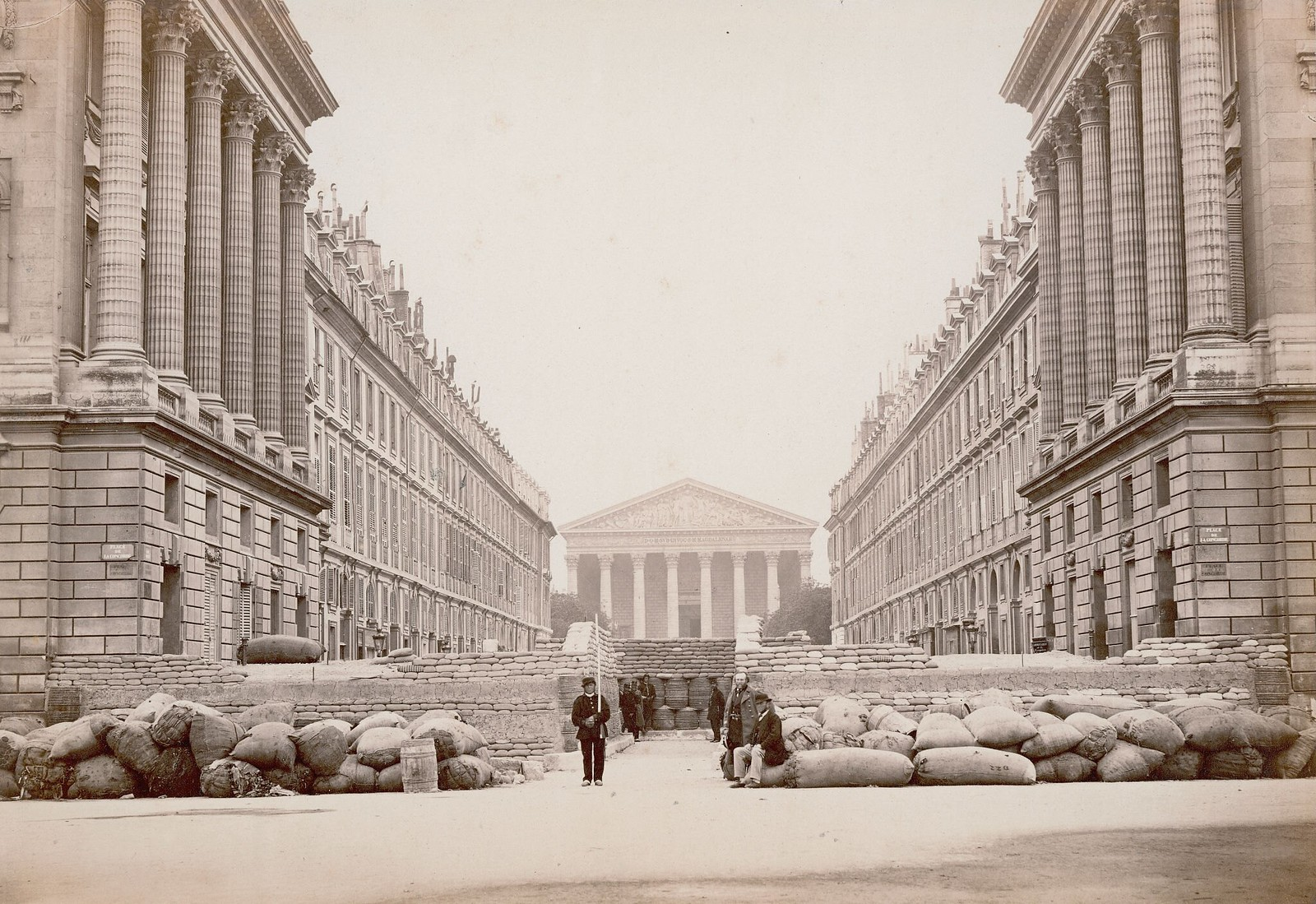 1871. Баррикада на площади Согласия