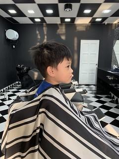 Zafeer Gets Haircut