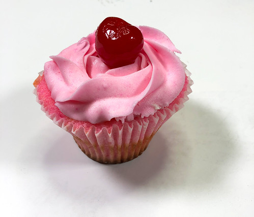 WS1906: Pink Cupcake - Photo Reference | by COLORED PENCIL magazine