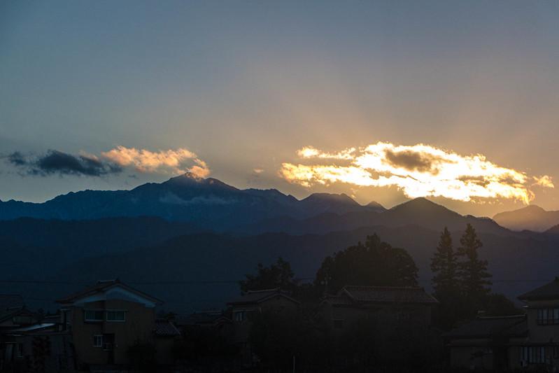 立山連峰の夜明け