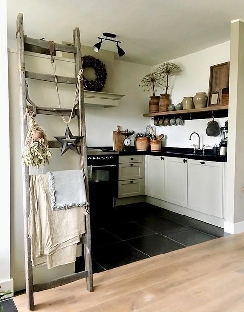 Landelijke keuken decoratie ladder