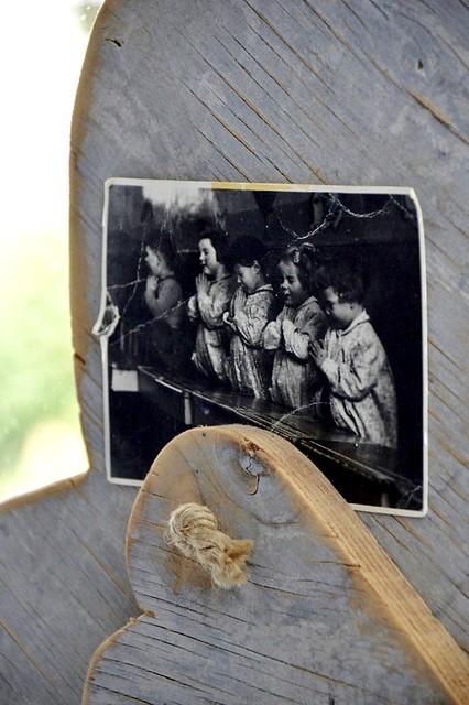 ansichtkaart biddende meisjes