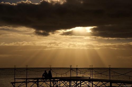 sunset people sea ocean mauritius maradiva flicenflac deck dusk sun pentax pentaxk3ii pentaxart pentaxlens pentax18135 romantic couple