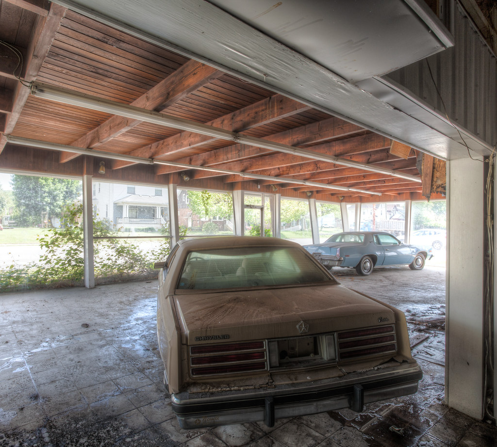 A And R Motors >> An Abandoned Car Dealership | Five Star Motors is an ...