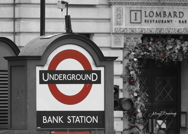 Bank 863 red & black