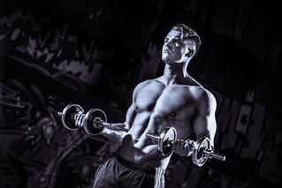 Sport und Fitness Portraits Muskeln Wellness Gesundheit Bewegung Training